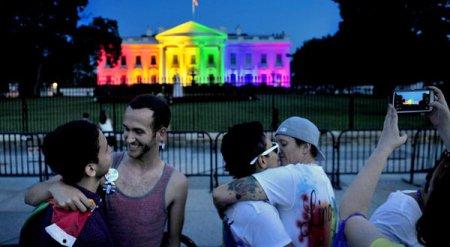 Rainbow House 00