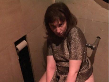 lena-dunham-toilet-01